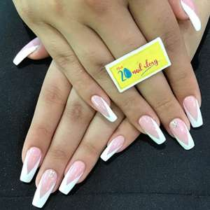 Best nail extension salon in newtown Kolkata