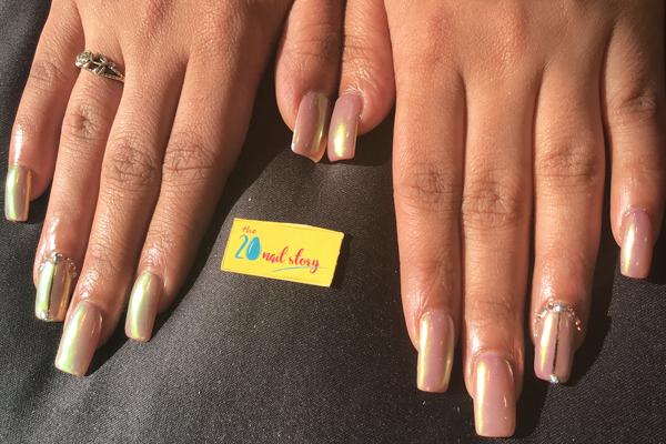 gold skin nail art design