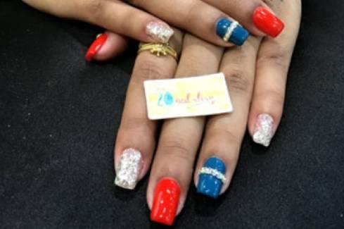 multi color jewelry nail art